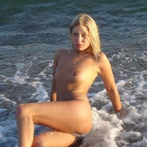 BeachgirlDany