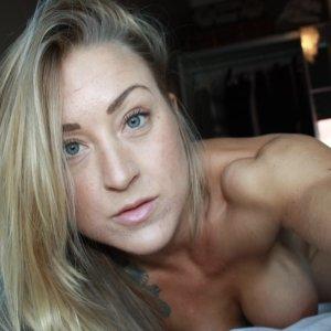 Paulina. (27)