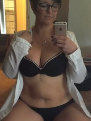 lonely.Wife (48)