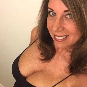 Reale Sexkontakte wie EvaMina jetzt treffen