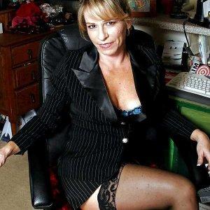 Frauenkontakte wie Uorschla_St online finden und kennenlernen