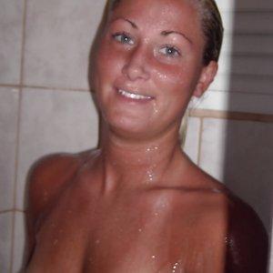 Private Fickkontakte wie Bikini-Hanni online finden und kennenlernen