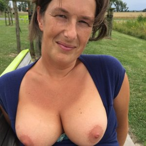 Mari-on - Outdoorsex