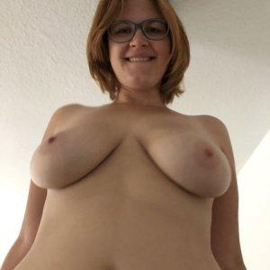 sexwillige Frauen m-i-n-i-e kennenlernen