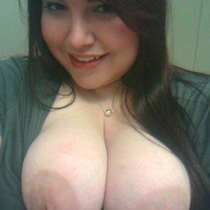 brunette22