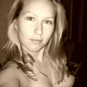 Janine190188 (29) aus Henggart