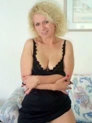 Blondiiii1974