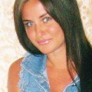 Debbie25 (26) aus Cottbus